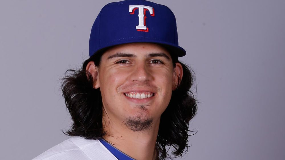 Cubs Add Olmos On Waivers