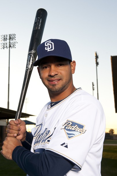 Cubs Ink 1B Guzman To Minor League Deal